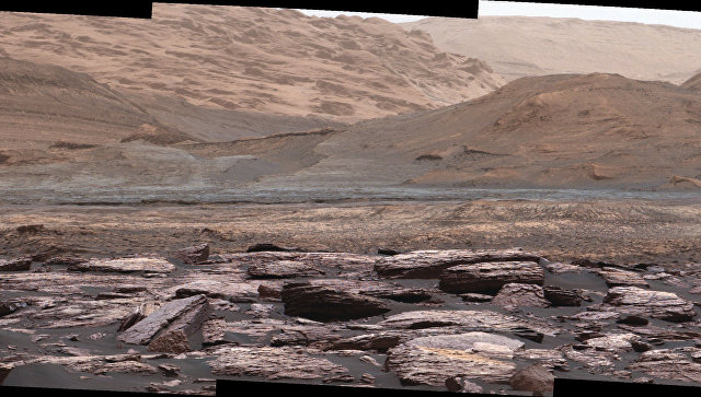 Марсоход Curiosity нашел накрасной планете фиолетовые камни