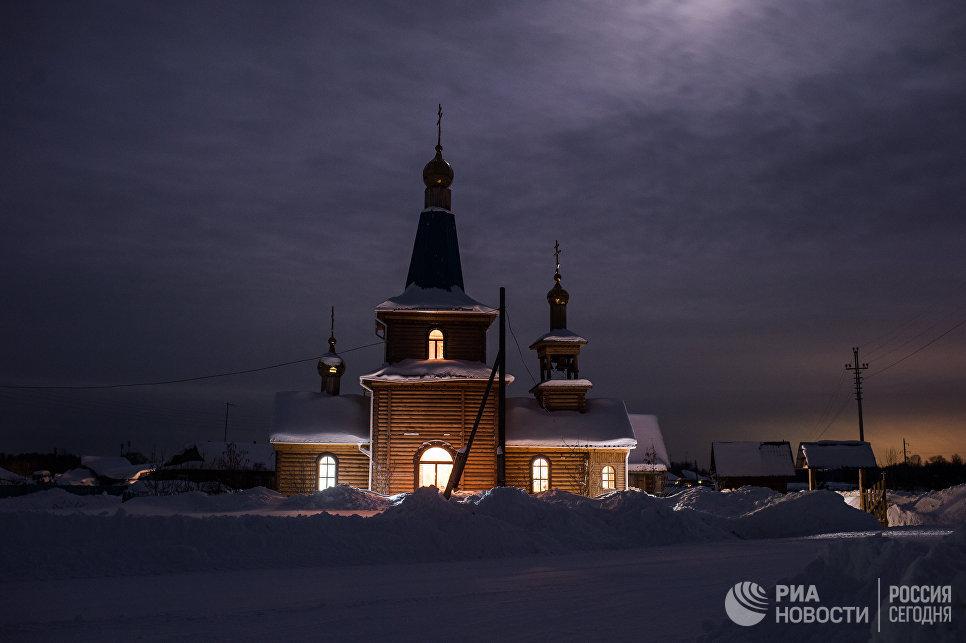 Храм Архистратига Михаила в селе Ермаковка Омской области