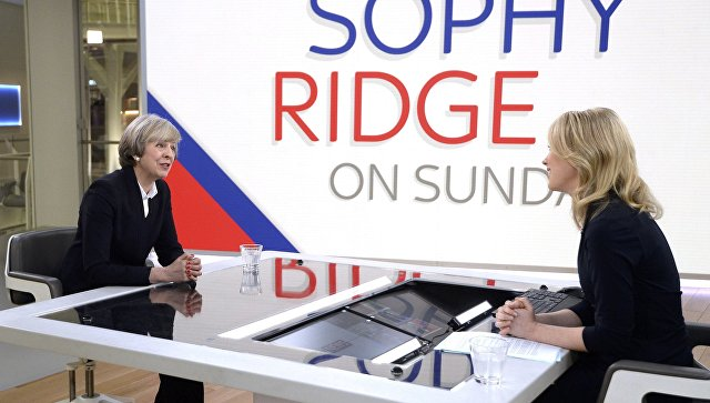 Тереза Мэй во время интервью телеканалу Sky News