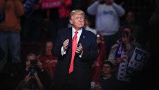 Избранный президент США Дональд Трамп на встрече с избирателями