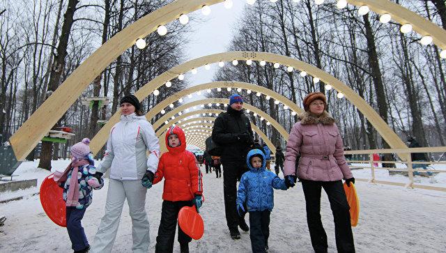 Зимний отдых горожан в парке Сокольники