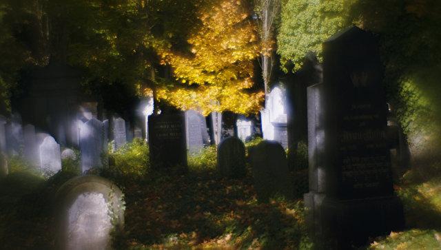 ВСША неизвестные повредили наеврейском кладбище неменее 100 надгробий