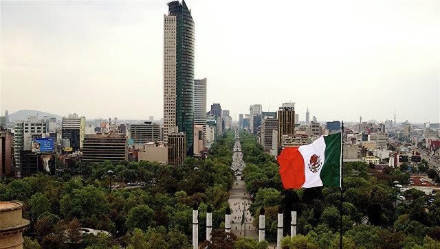 Центральная улица Мехико – Пасео-де-ла-Реформа. Архивное фото