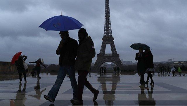 Во Франции из-за шторма без электричества остались 230 тысяч домов