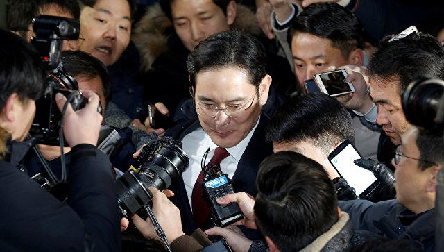 Генпрокуратура Южной Кореи рассматривает вопрос обаресте вице-президента Самсунг