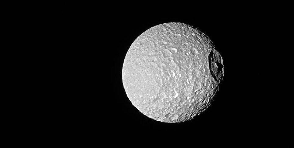 Мимас - спутник Сатурна