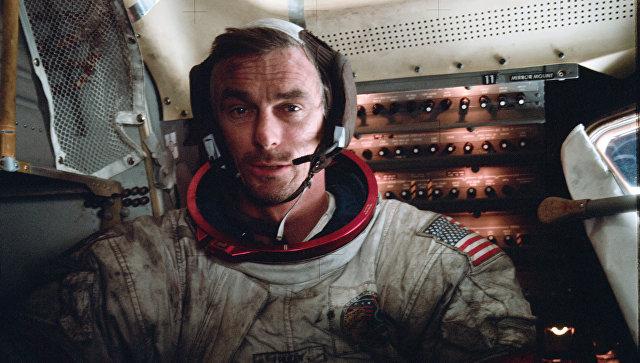 Американский астронавт Юджин Сернан