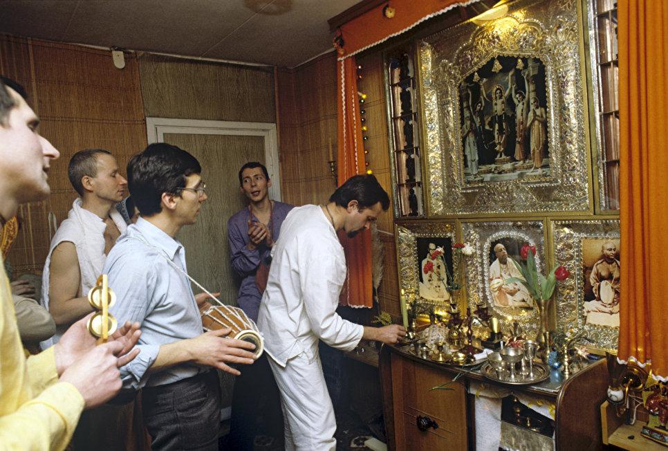 Суд вПетербурге оправдал преподавателя йоги поделу орелигиозной пропаганде