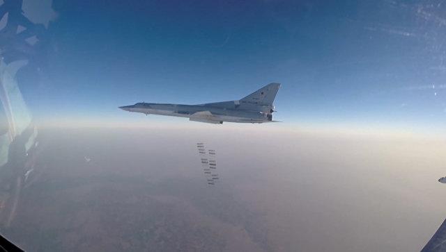 Кадры удара российских Ту-22М3 по объектам ИГ в Дейр-эз-Зоре