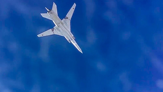 Сверхзвуковой стратегический бомбардировщик-ракетоносец ВКС РФ Ту-22М3. Архивное фото