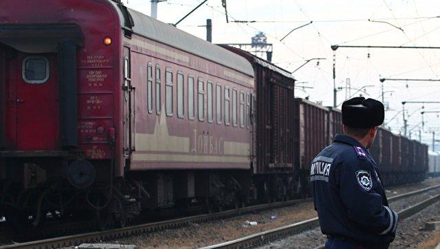 Сотрудник транспортной милиции Украины. Архивное фото
