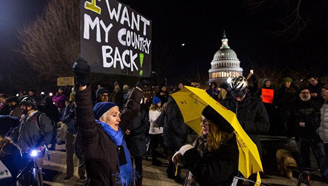 Штат Нью-Йорк поможет мигрантам, пострадавшим от изменения законов