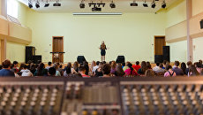 Репетиции конкурсных песен в общем зале