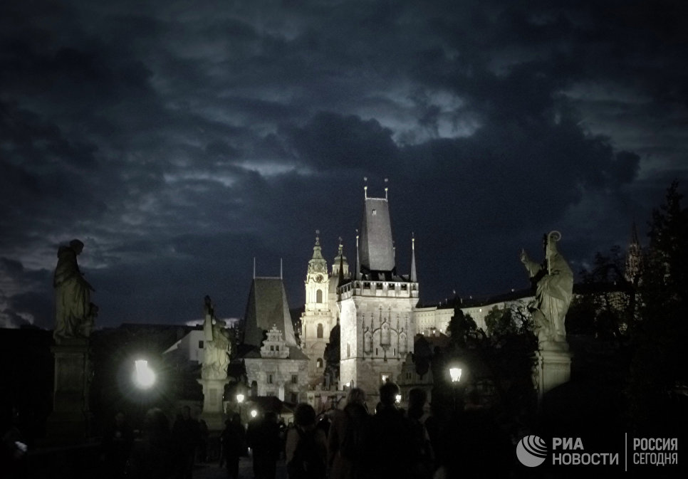 Вид на Карлов мост в Праге