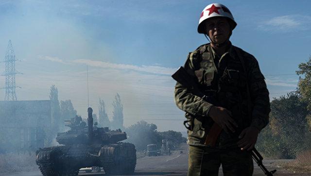 Отвод вооружений калибра менее 100 миллиметров от линии соприкосновения в самопровозглашенной Луганской народной республике. Архивное фото