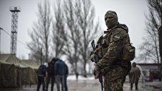 Украинский военнослужащий в Авдеевке. Архивное фото