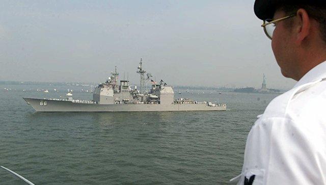 ВТаллин прибыл американский ракетный крейсер Hue City