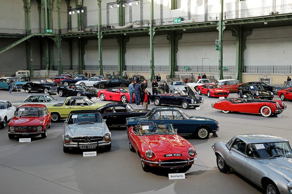 Выставка старинных автомобилей аукционного дома Bonhams, Париж
