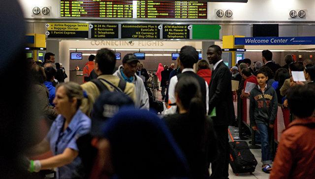 ВСША отменили как минимум 2-х тыс. рейсов из-за снежного шторма