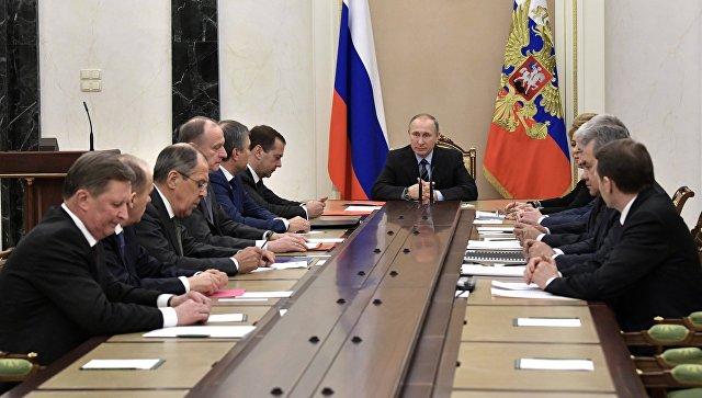 Путин обсудил счленами Совбеза РФ ситуацию наюго-востоке государства Украины