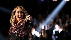 Певица Адель на церемонии вручения Грэмми