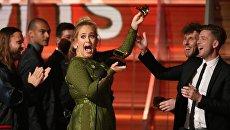 Певица Адель на церемонии вручения Грэмми. 12 февраля 2017