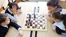 Шахматный кружок в школе Краснодара. Архивное фото