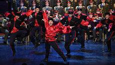 Выступление нового состава ансамбля песни и пляски Российской армии имени А. В. Александрова в Центральном академическом театре Российской армии в Москве