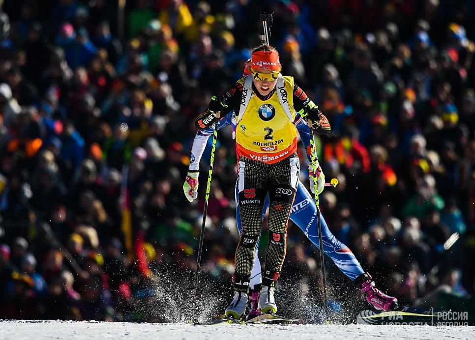 Лаура Дальмайер (Германия) на дистанции масс-старта среди женщин на чемпионате мира по биатлону в австрийском Хохфильцене