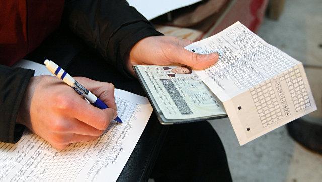 Проверка документов у работников на строящемся объекте в Новосибирске