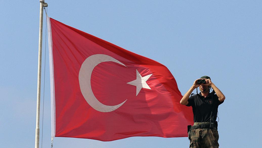 Опубликованы снимки с места падения сбитого беспилотника в Турции
