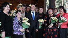 Дмитрий Медведев во время встречи с женщинами России, представительницами различных профессий