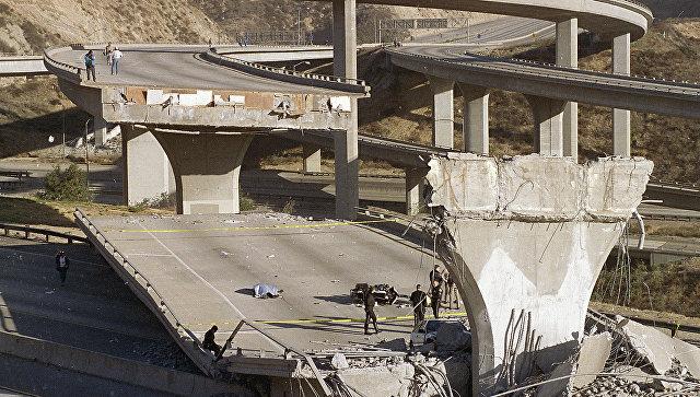 Последствия землетрясения магнитудой 6,7 баллов в Калифорнии в 1994 году