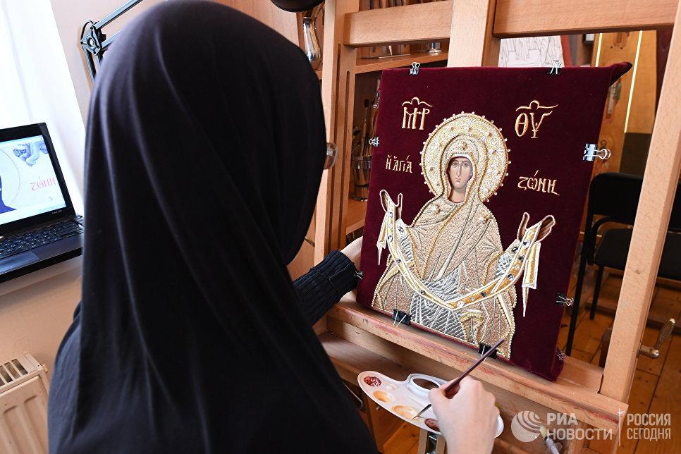 Иконописная мастерская в Свято-Никольском Черноостровском женском монастыре в городе Малоярославце