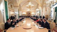 Президент РФ Владимир Путин и президент Турции Реджеп Тайип Эрдоган на шестом заседании Совета сотрудничества высшего уровня между Российской Федерацией и Турецкой Республикой. 10 марта 2017