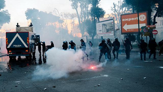 ВНеаполе вспыхнули массовые беспорядки из-за визита лидера правой партии