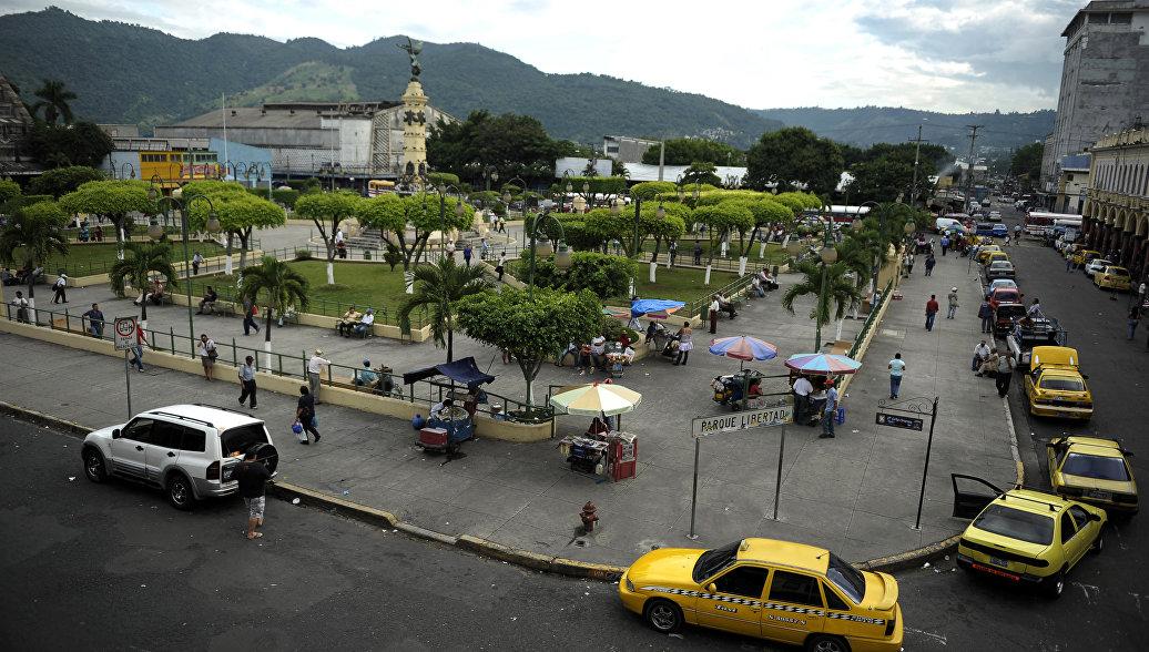 В центре Сан-Сальвадора в результате перестрелки убиты ...: https://ria.ru/world/20170316/1490127357.html
