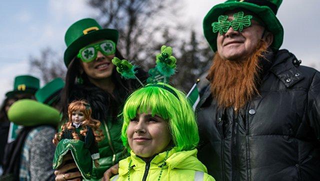 Участники празднования Дня святого Патрика в парке Сокольники в Москве