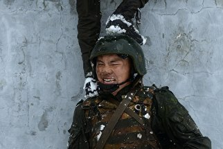 Испытания на право ношения крапового и зеленого берета среди военнослужащих Национальной гвардии РФ
