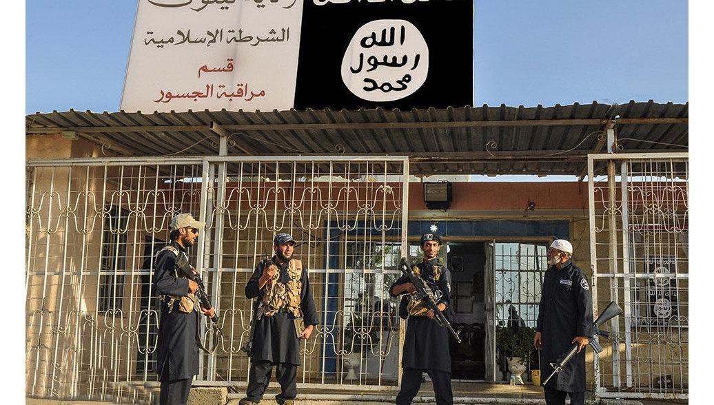 Боевики ИГ начали сдавать тяжелое оружие в южном пригороде Дамаска