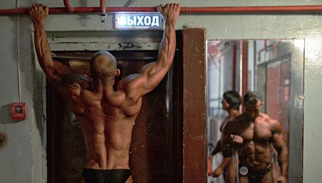 Ученые установили, что толстые люди немогут быть мускулистыми