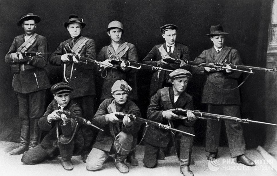 Группа финских красногвардейцев во врмя финской Гражданской войны. 1918 год