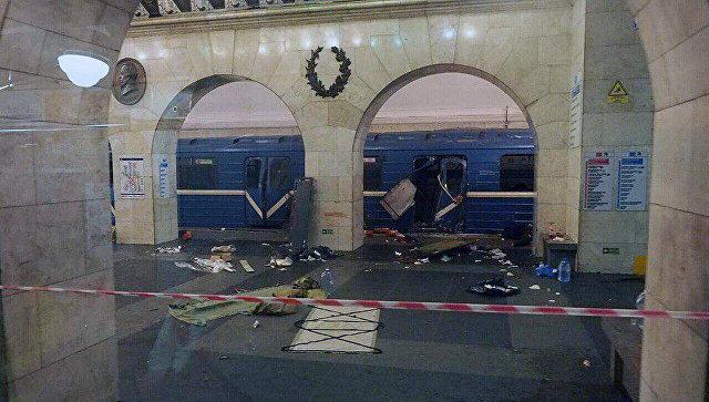Двое пострадавших при взрыве вПетербурге скончались в клинике