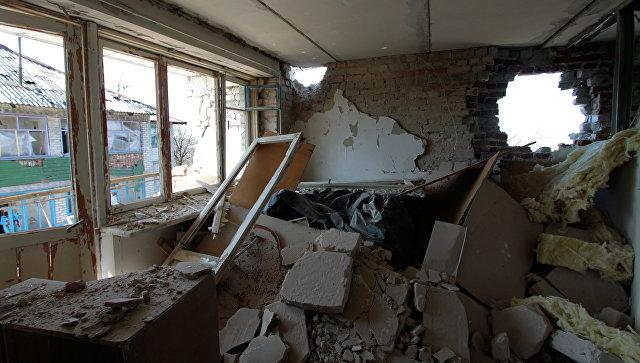Разрушенная в результате обстрелов. Архивное фото