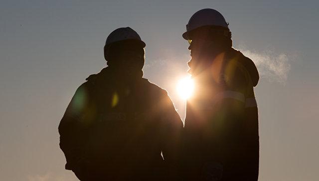 Цена нефти снижается на фоне неожиданных данных Минэнерго США