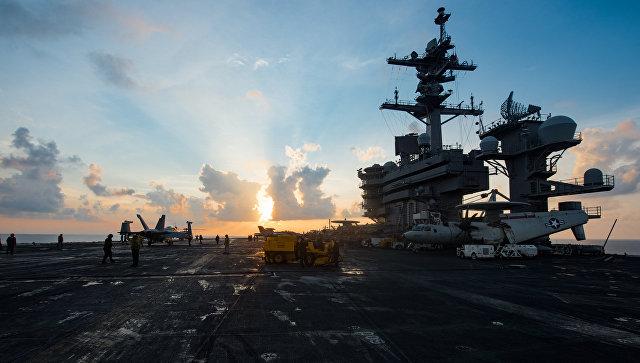 Авианосец ВМС США Карл Винсон в Южно-Китайском море. 8 апреля 2017