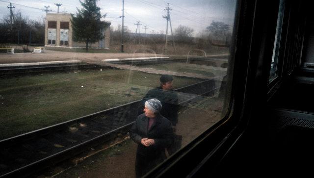 Вид из окна поезда. Украина. Архивное фото