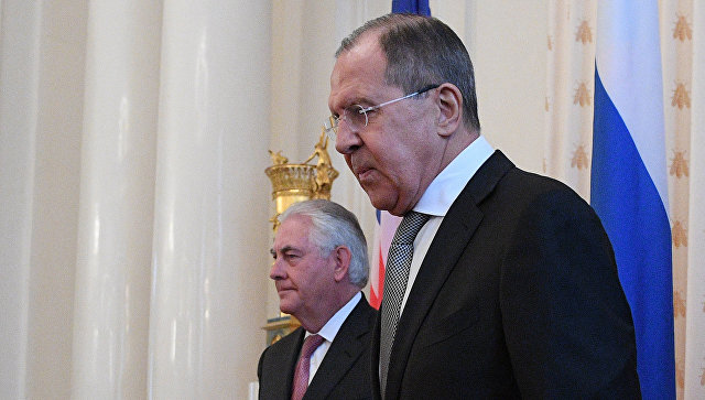 Министр иностранных дер РФ Сергей Лавров и Государственный секретарь США Рекс Тиллерсон. Архивное фото во время переговоров в Москве. 12 апреля 2017
