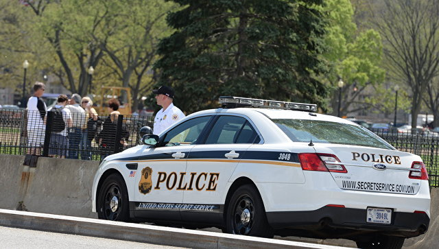 В Теннесси мужчина с мачете взял в заложники посетителей банка