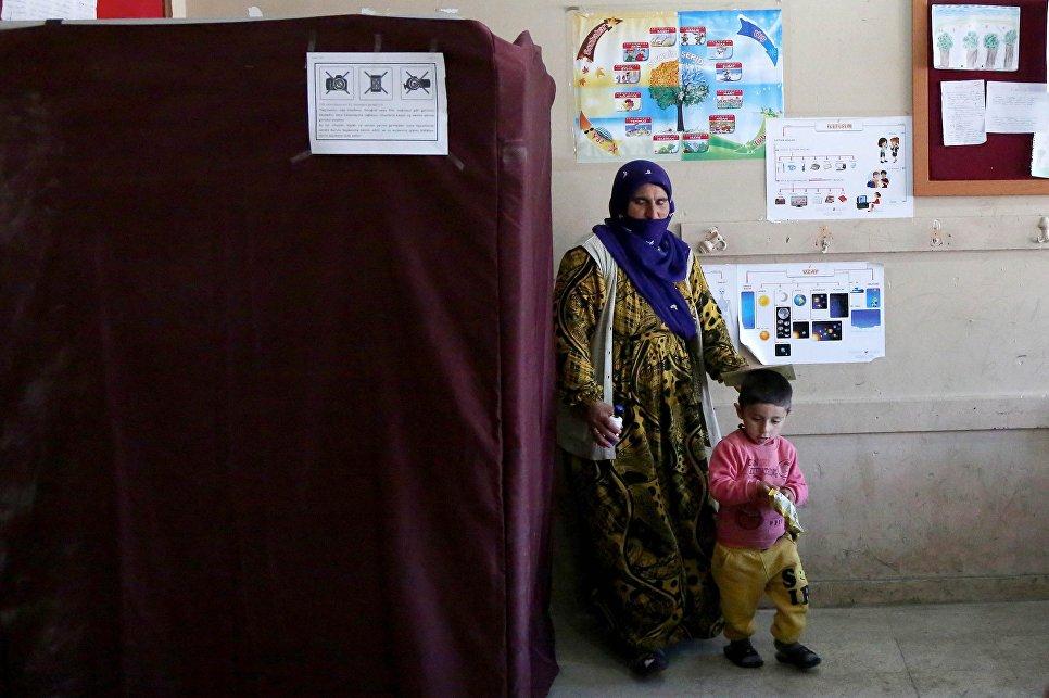 Эрдоган объявил  опобеде нареферендуме приверженцев  изменения конституции